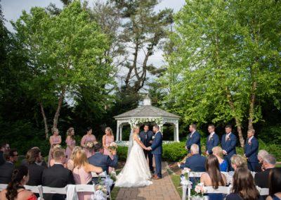 Stunning-Outdoor-Wedding-at-the-Gazebo